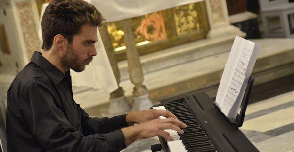 Cantate inni Claudio Silvestri