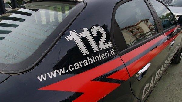 """carabinieri min - """"Sono Gesù"""", uomo fa irruzione a Santa Maria dei Miracoli e rompe una statua"""