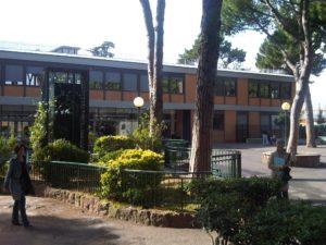 """liceo massimo roma 2 300x225 - Liceo Massimo Roma, il prof si scusa. Il gip: """"Resti in carcere"""""""
