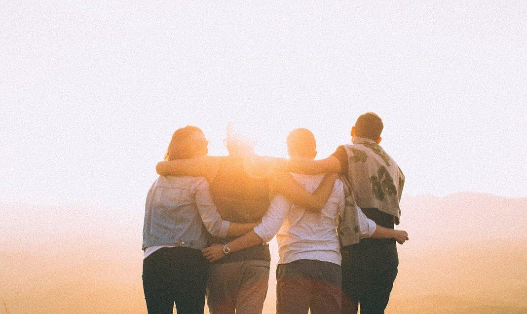 santificazione universale 2019, giovani, abbraccio