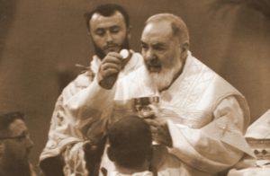 san pio 300x196 - San Pio da Pietrelcina, la festa liturgica a San Salvatore in Lauro