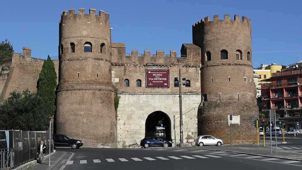 ciclismo roma, porta san paolo, pedalando nella memoria