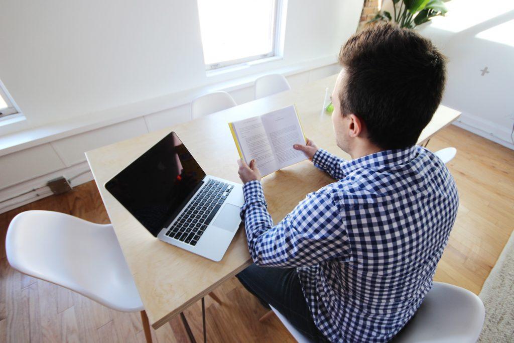 verismo interattivo, computer, libri